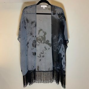 Francesca's Gray & Black Tie Dye Fringe Kimono